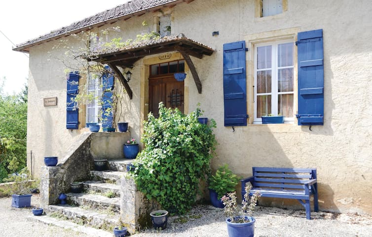 Holiday apartment with 2 bedrooms on 120 m² in Frayssinet le Gelat