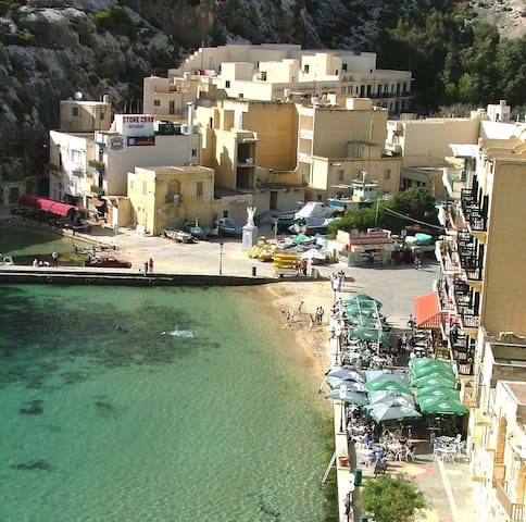 Xlendi Bay spacious 2BR apartment close to beach