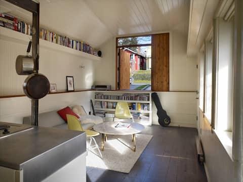 Beautiful Ballard Cottage