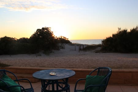 Holiday Beach House - Semaphore Park - Casa