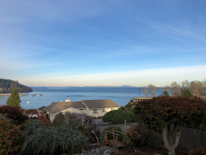 Vacation with a View, Kingston WA
