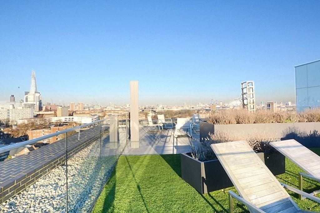 Residents rooftop garden available to access with hosts