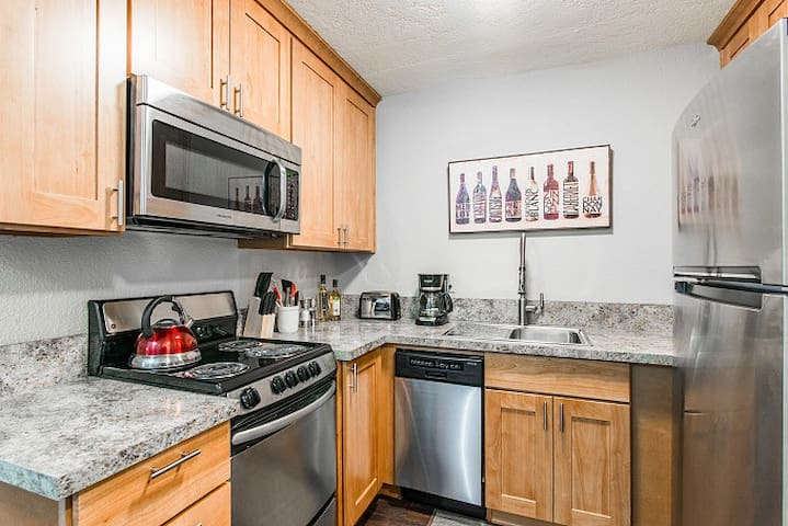 Extended Stay McMinnville OR w/ Flexible Terms #8
