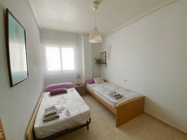Habitación privada para 2 y baño en Murcia