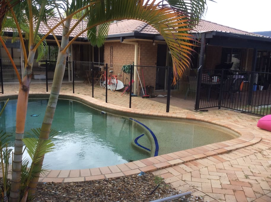 Room For Rent Burleigh Waters