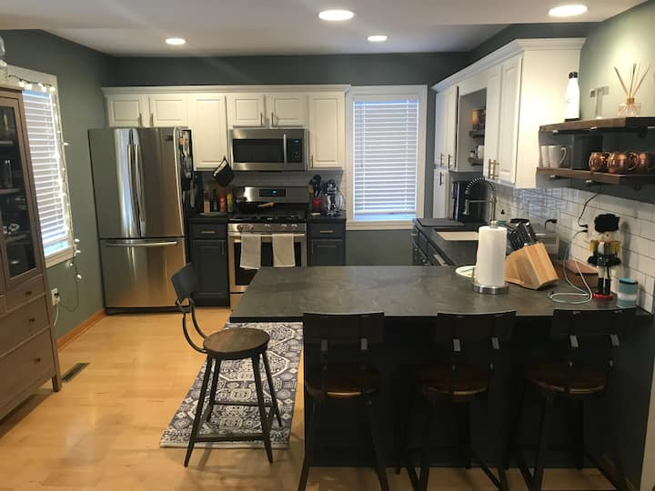 Updated Northeast Home-Walk to Cafe/Bakery/Brunch