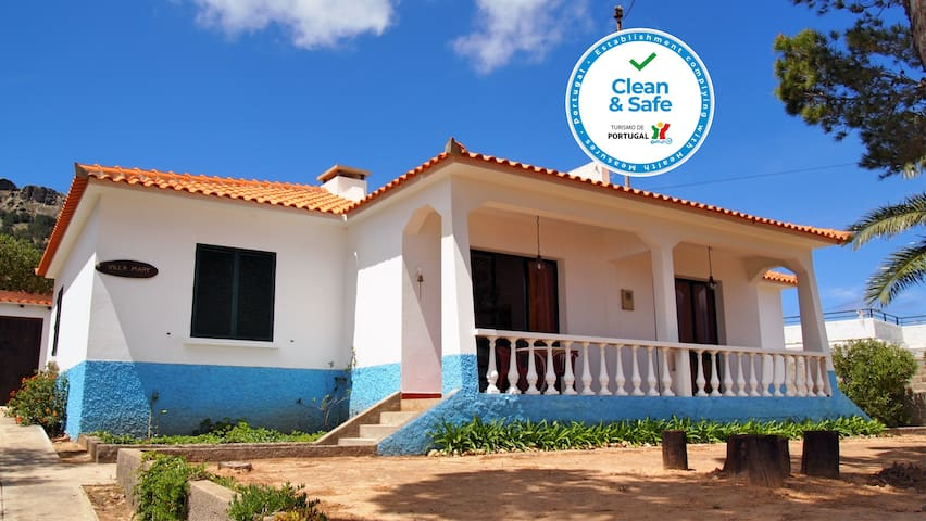 Spacious family villa only 200m from the golden beach   Villa Mary