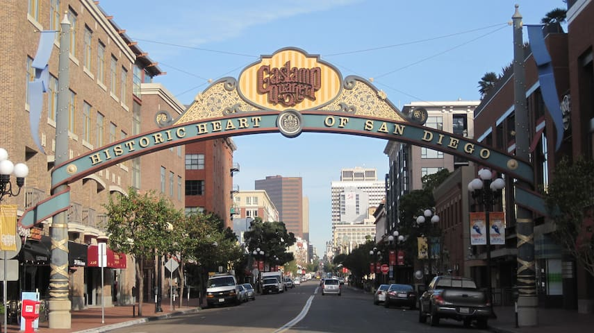 Elegant Spot in Downtown Gaslamp Quarter