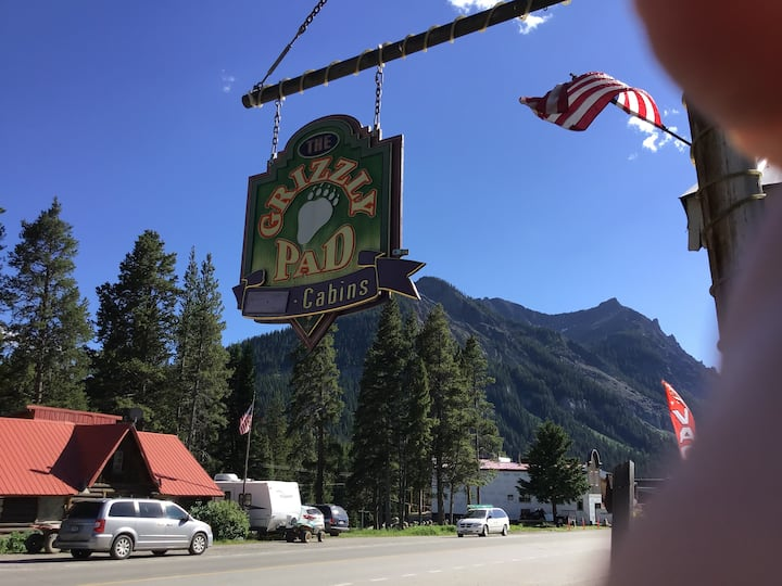 Lodging in the Heart of the Beartooth Mountains