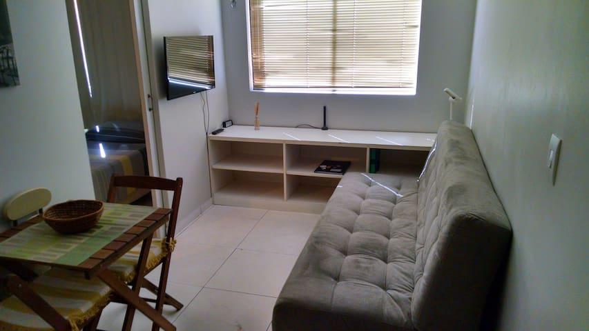 Ar, garagem, elevador, lavanderia, WiFi. Perto UnB