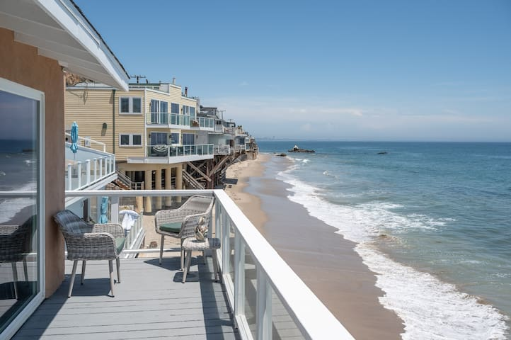 Malibu Beachfront Luxury Condo | 4 ppl