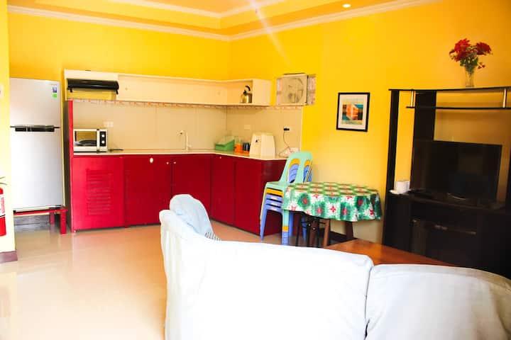 Stylish Homelike Room near Alona Beach -RM 7