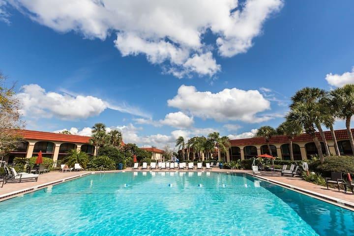 Orlando 1 Bdr Suite near Disney Theme Parks