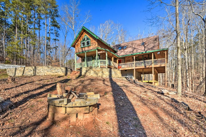 NEW! Wood Cabin w/ Fire Pit, 5 Mi to Lake Hartwell