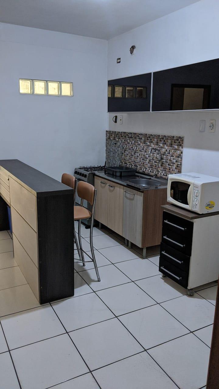Apartamento central p/ 3 pessoas.