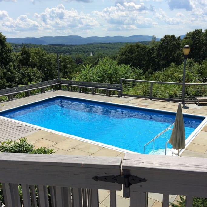 Pool with a view facing south (open june - october)