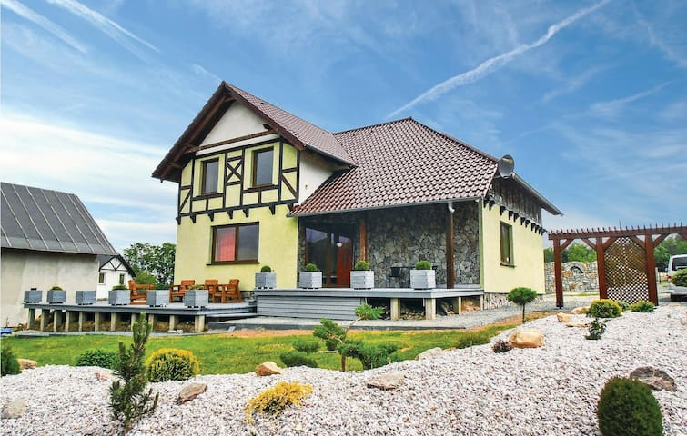 Holiday cottage with 5 bedrooms on 210m² in Karpacz