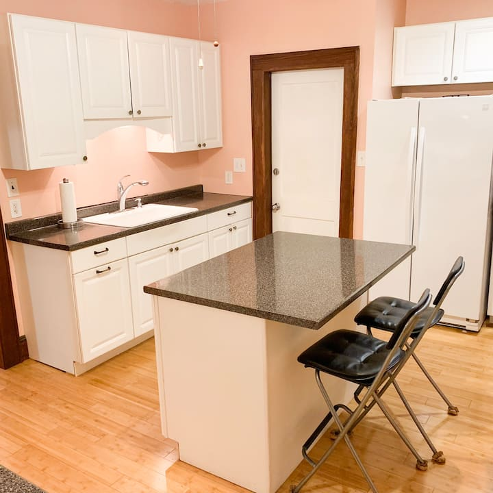 Spacious 3BR Apartment by Seaside Park