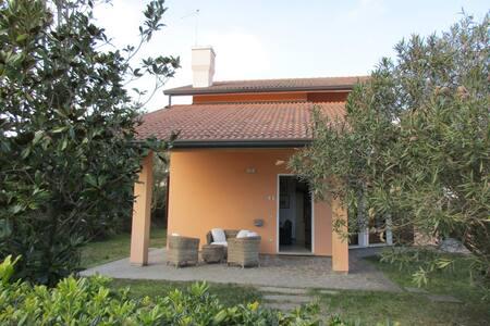Villa a pochi passi dal mare - Isola Albarella
