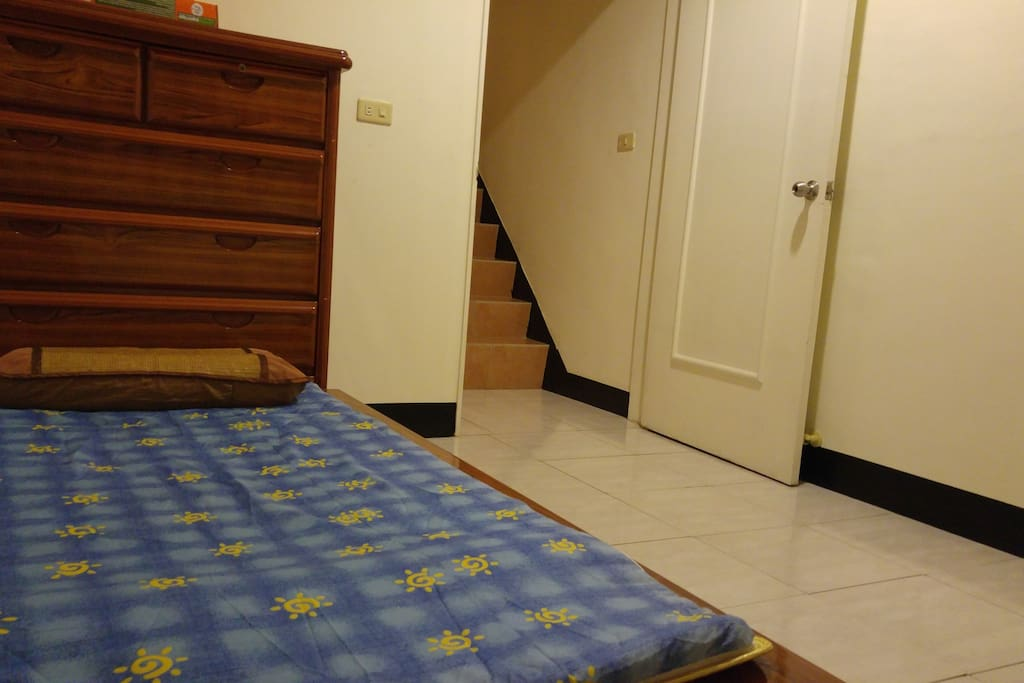 Private room (single bed)