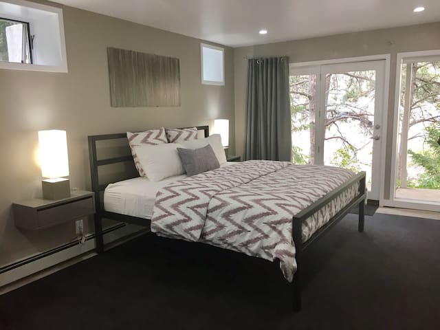 king size bed, outlets & USB ports on each side, french doors to private patio