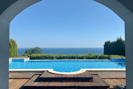 BlackSeaRama Golf - Stunning 5-bed seaview villa