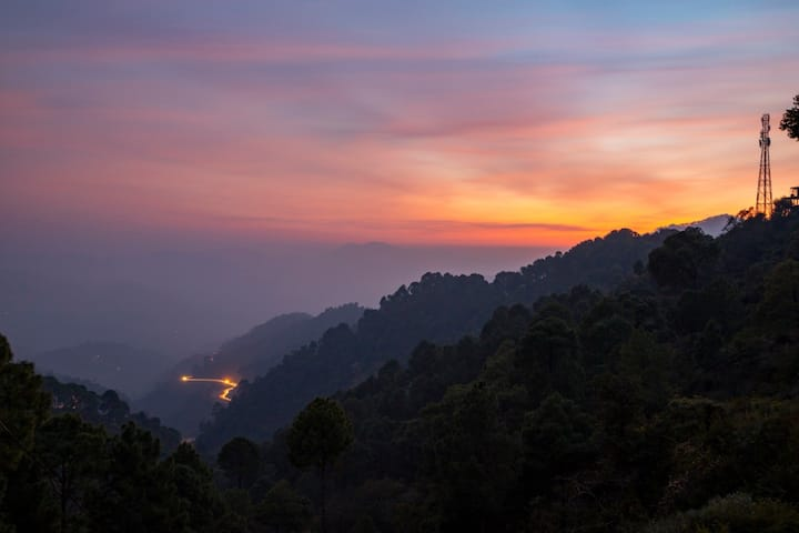The Kasauli Mansion | 5 Bedroom -By Homestay DaDDy