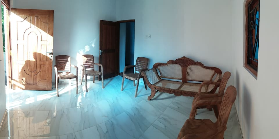 3 or 2 Bed RoomHouse for Family/Friends orCouples