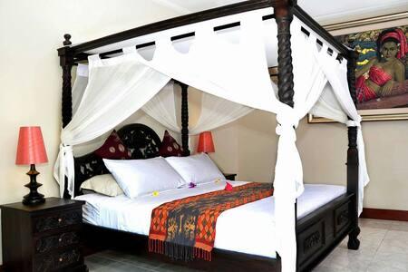 Balinese suite w POOL &Breakfast - Gianyar  - Bed & Breakfast
