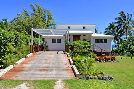 Coco Beachfront house with aircon and new pool