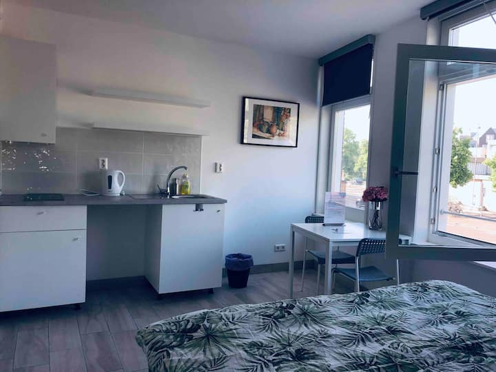 Fully furnished Studio4, 15min from Amsterdam city