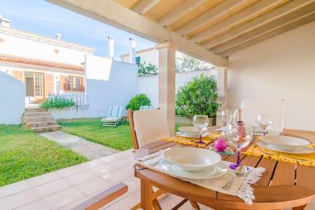 Paramola - beautiful house with garden - S'Estanyol de Migjorn - บ้าน