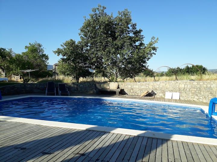 Ali-Baba: naturaleza autenticidad encanto piscina