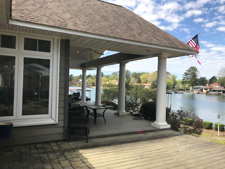 Spacious Beautiful Lake House