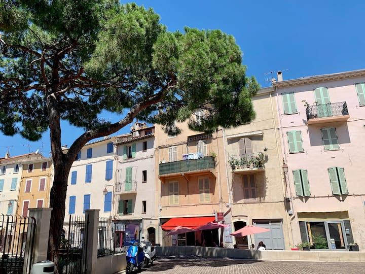 Deux pièces Cannes Suquet quartier historique