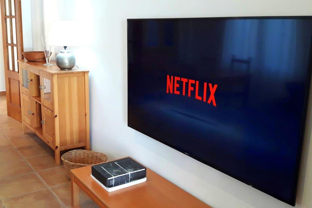 """Smart TV 70"""" / Netflix"""