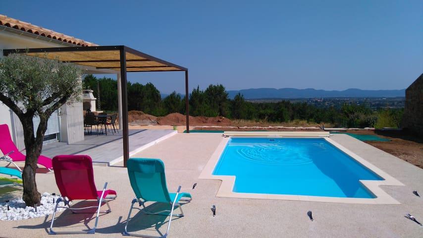 Maison neuve avec piscine dans le sud de l'Ardėche - Lablachère