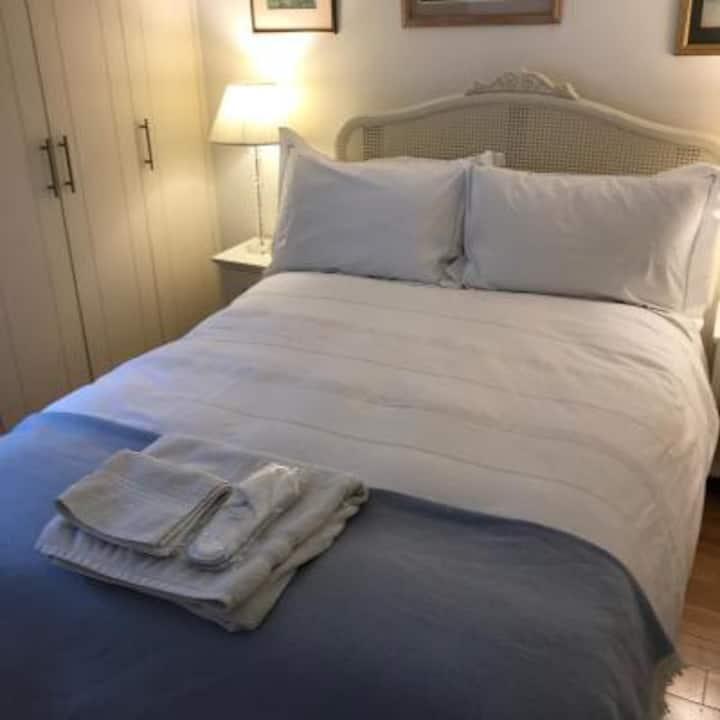 Double Room near Bradford Royal Infirmary Hospital