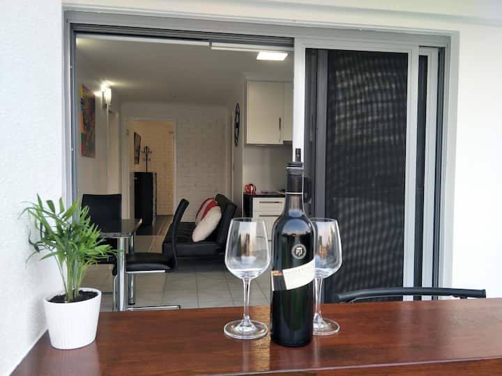 Mooloolaba One Bedroom Unit with Water Views