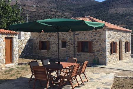 Traditional stone house 100m beach - Kotronas - Talo