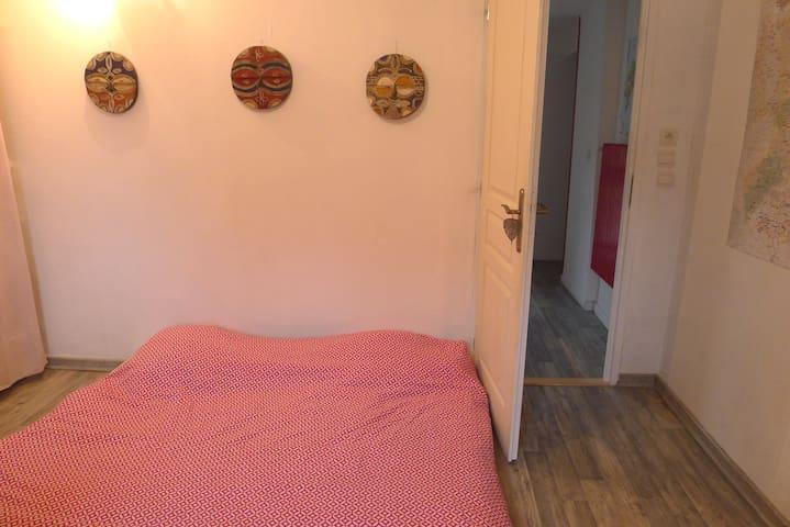 Chambre 5 (les chambres 4 et 5 sont en enfilade)