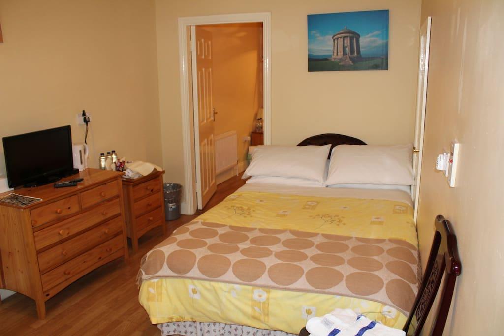 Adjoining Room 1