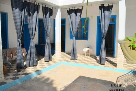 Tourisme solidaire en maison d'hôtes chez Mounira