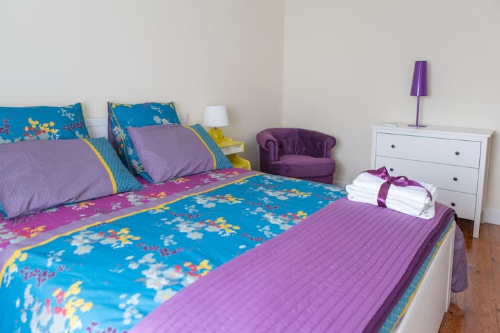 My Home in Porto - Purple bedroom - Porto - House