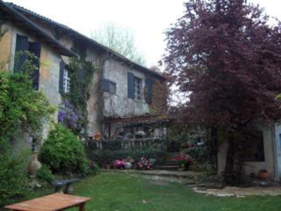 La Bourg  13 th ex monasta