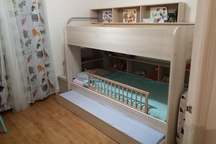 Chambre 3 personnes - Grenoble - Wohnung