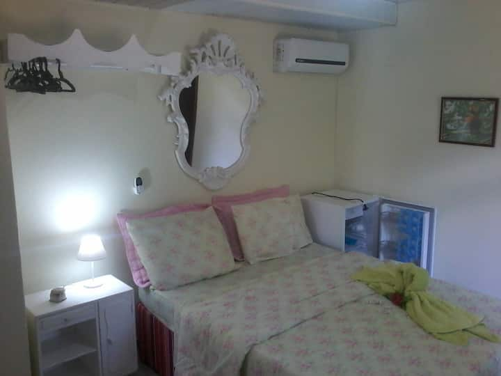 Suite 3 tripla com ar em Penedo RJ