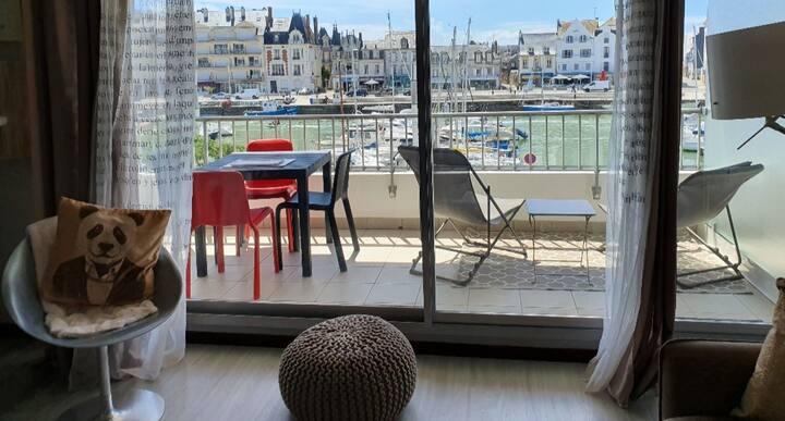 Studio à la Baule   vue sur le port du Pouliguen