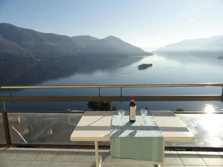 Apartment Lago Maggiore,Pool,volle Seesicht.