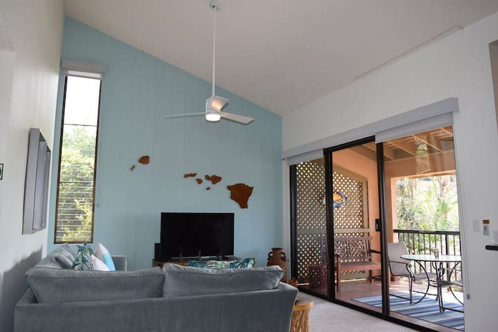 Beautifully Remodeled 1 Bedroom Ocean View Wailea Condo Close to Beach (WE 21F)